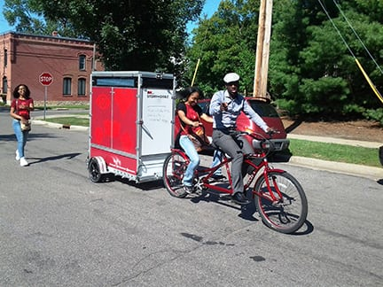 Transporting-the-Storymobile