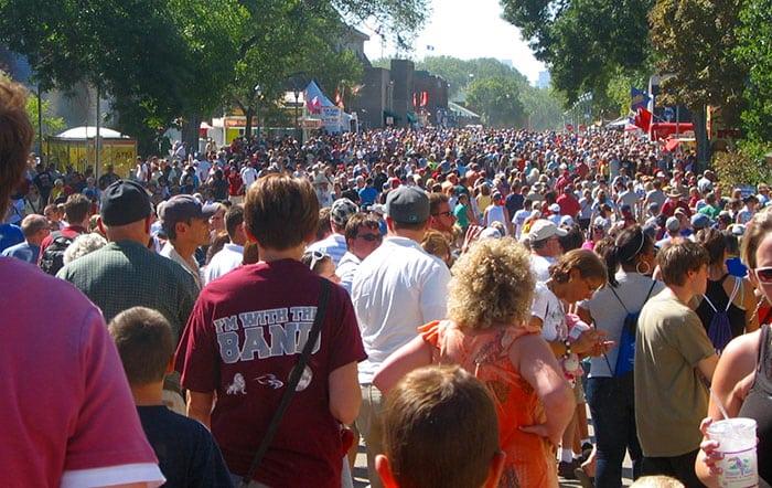 state-fair-crowd